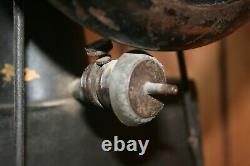 Vintage Singer 29-4 Industrial Cobbler Leather Treadle Sewing Machine / Used