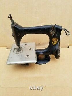 Vintage Singer Chain Stitch # 24 Sewing Machine 1910