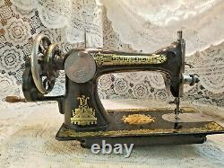 Vintage Singer Sewing Machine Model 15K-30 withSphinx BentWood Case 1910 Scotland