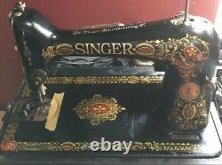 Vintage/antique Singer Portable Sewing Machine Beautiful
