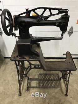 Vtg Singer 29-4 Industrial Heavy Duty Cobbler Leather Treadle Sewing Machine