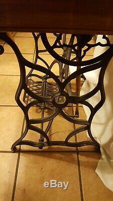 1871 Couture Base De Fiddle Chanteur Treadle Machine Modèle 12 Avec Nacre Inlay