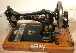 1889 Chanteur Antique 28k Machine À Coudre Avec Manivelle De Couleur Roses Et Marguerites
