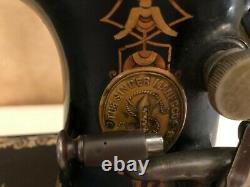 1892 Singer 127 Sphinx Bande De Roulement Machine À Coudre Or Antique 10867658 Manivelle Noire