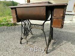 1900 Antique Machines À Coudre Singer 5 Tiroirs Chêne Vide Cabinet Seulement Pour Électrique