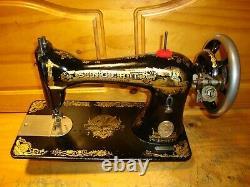 1900 Antique Singer Sewing Machine Head Model 15 Sphinx, Desservi