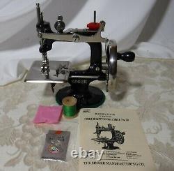 1900 Singer Antique Singer Model 20 Sewhandy Childs Toy Machine À Coudre