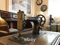 1907 Machine À Coudre Singer Actionnée Par Bande De Roulement Used