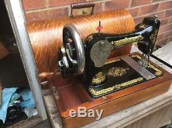 1910 Antique Chanteur 28k Machine À Coudre À La Main Manivelle Avec Étui