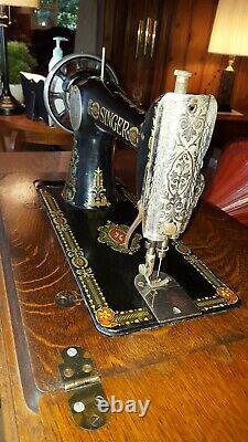 1910 Antique Red-eye Singer Machine À Coudre & Armoire À Table En Bois/fer G8148002