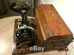 1912 Antiquités / Vintage Chanteur 28k Machine À Coudre Avec Manivelle Cas