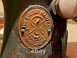 1912 Treadle Singer Machine À Coudre Dans Refini 7 Tiroir Cabinet G2374363 Travaux