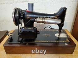 1926 Singer Model 99 Machine À Coudre Avecknee Bar Accessoires Bent Wood Box Amazing