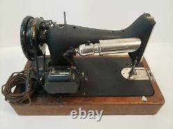 1951 Singer Sewing Machine Modèle 66-16 Avec Boîtier De Verrouillage En Bois Antique