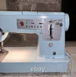 À Proximité De Mint Working Singer 348 Made In Great Britain Electric-blue Couture Machine
