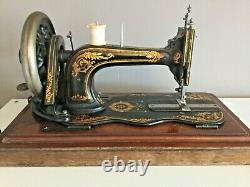 Ancienne Vieille Vieille Main Cran Fiddle Base Singer Machine À Coudre Modèle 12k