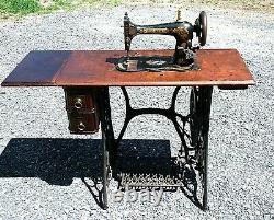 Antiquaire 1889 Singer Treadle Sewing Machine Fiddle Base, Shuttle, Modèle 27 Vs2