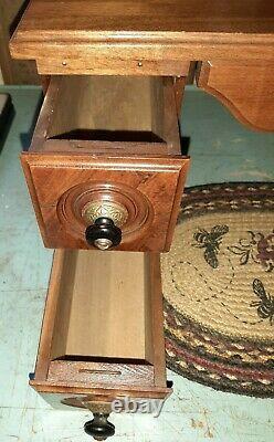 Antique 1875 Singer Treadle Machine À Coudre 5 Tiroir Lit De Table D'armoire En Bois Etc.