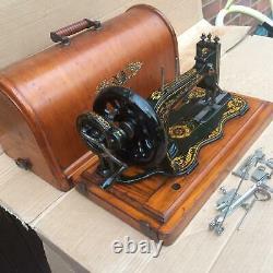 Antique 1889 Singer 12k Base De Violon À Coudre À La Main Machine Avec Acanthus Laisser