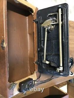 Antique 1905 Singer Machine À Coudre Avec Boîtier Portable