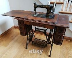 Antique 1917 Tiffany Gingerbread Singer Treadle Sewing Machine Avec Cabinet