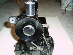 Antique 1947 Singer 221 Working Featherweight Machine À Coudre Avec Accessoires