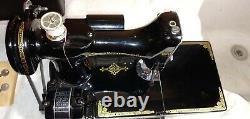 Antique 1950 Chanteur Plume Poids Machine À Coudre Modèle 221-1 Ser# Aj637703