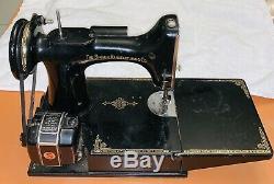 Antique 1950 Machines À Coudre Singer Poids Plume Modèle 221 1 Ser # Aj365218