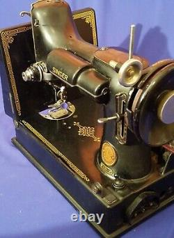 Antique 1953 Singer 221- Featherweight Sewing Machine Case Pedal Beauty
