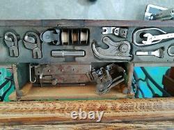 Antique Au Début Des Années 1900 Singer Machine À Coudre Lotus Bandage Armoire Avec Attaches