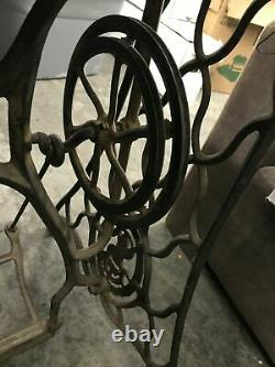 Antique Cast Iron Singer Treadle Sewing Machine Base For Industrial Models 29-4