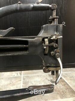 Antique Chanteur # 12160999 Bras En Cuir Patcher Machine À Coudre Antique Industrielle