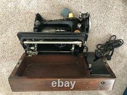 Antique Chanteur 1926 Machine À Coudre Avec Ruche Bentwood Case