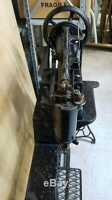 Antique Chanteur 29-4 Industriel Cuir Cordonniers Treadle Machine À Coudre Nice Fl