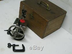 Antique Chanteur Modèle 20 Quatre 4 Spoke Enfant Machine À Coudre Années 1910 W Case + Clamp