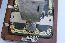 Antique Hand Cranked Sewing Machine, Allemand Machine À Coudre Couture Studio Décor W