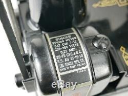 Antique Machine Chanteur 221k Poids Plume Couture 20 Décembre 1955