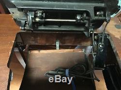 Antique Machines À Coudre Singer Au Sein Du Cabinet Avec Banc 1947ah268896