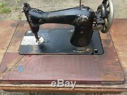 Antique Machines À Coudre Singer G4820340 Chêne Cabinet Rare Un Tiroir