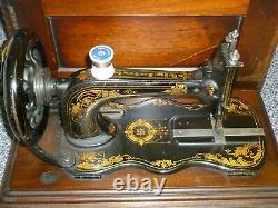 Antique Singer 12k Fiddlebase À Coudre À La Main 1880 Boîtier En Bois Avec Clé