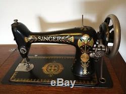 Antique Singer 1900 Machine À Coudre Tiger Oak Fermé Cabinet Avec Pédale