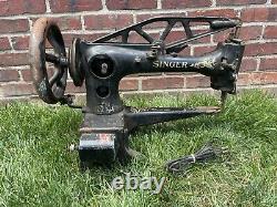 Antique Singer 29-4 Industrial Cobbler Treadle En Cuir Machine À Coudre Commerciale