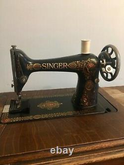 Antique Singer 66 Machine À Coudre Red Eye Treadle Head & Accessories