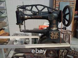 Antique Singer Cobbler Treadle Machine À Coudre Le Cuir Fonctionne Très Bien 29-4