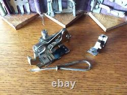 Antique Singer Machine À Coudre #27, Arts & Crafts Treadle Table Avec Puzzle Box
