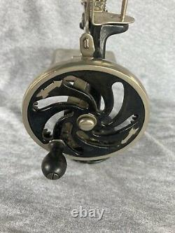 Antique Singer Machine À Coudre Miniature Vendeur Échantillon -mini Vintage Toy