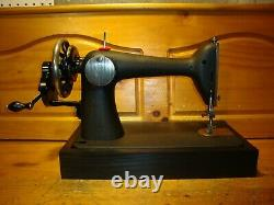 Antique Singer Machine À Coudre Modèle 66-18'godzilla', Manivelle De Main, Desservi