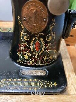 Antique Singer Machine À Coudre Modèle 66 Manivelle À Main, 1919, Red Eye