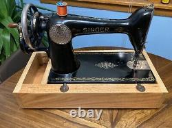 Antique Singer Machine À Coudre Modèle 66 Manivelle À Main, 1925
