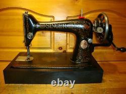 Antique Singer Machine À Coudre Modèle 66 Red Eye, Manivelle De Main, Cuir, Desservi